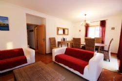 2 Bedroom Apartment Obidos, Silver Coast Ref :AA199