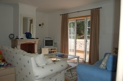 2 Bedroom Apartment Obidos, Silver Coast Ref :AA212
