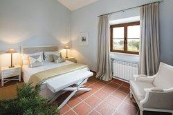 3 Bedroom Townhouse Praia da Luz, Western Algarve Ref :GV028