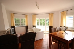 2 Bedroom Apartment Obidos, Silver Coast Ref