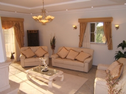 4 Bedroom Villa Almancil, Central Algarve Ref :PV3184