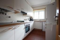 2 Bedroom Apartment Obidos, Silver Coast Ref :AA278