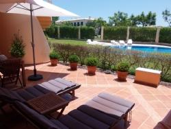 2 Bedroom Apartment Vilamoura, Central Algarve Ref :PA3174