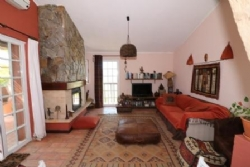 2 Bedroom Villa Sao Bras de Alportel, Central Algarve Ref :JV10076
