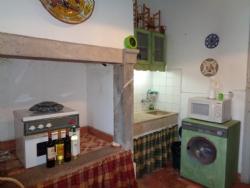 2 Bedroom House Cadaval, Silver Coast Ref :AV1728