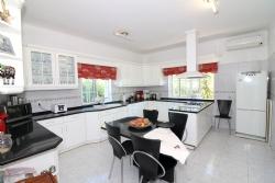 4 Bedroom Villa Sao Bras de Alportel, Central Algarve Ref :JV101879