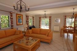 3 Bedroom Villa Loule, Central Algarve Ref :JV10191