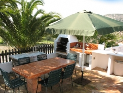 4 Bedroom Villa Santa Barbara de Nexe, Central Algarve Ref