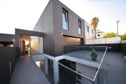 4 Bedroom Villa Vila Nova de Gaia, Porto Ref :AVP27