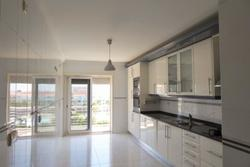 2 Bedroom Apartment Cascais, Lisbon Ref :AAM110