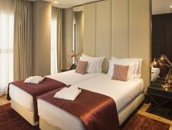 2 Bedroom Apartment Lisbon, Lisbon Ref :AAM126