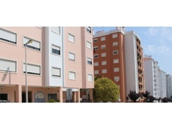 2 Bedroom Apartment Cascais, Lisbon Ref :AAM128