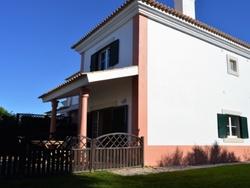 3 Bedroom Villa Cascais, Lisbon Ref :AVM132