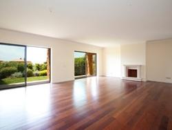 3 Bedroom Villa Cascais, Lisbon Ref :AVM141