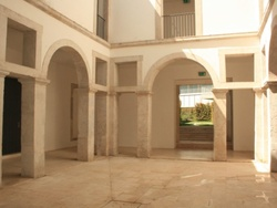 4 Bedroom Apartment Lisbon, Lisbon Ref :AAM144