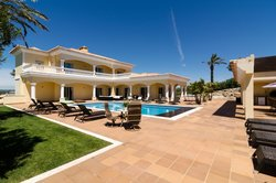 5 Bedroom Villa Praia da Luz, Western Algarve Ref :GV563
