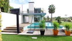 4 Bedroom Villa Setubal, Lisbon Ref :AVI316