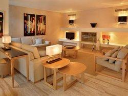 4 Bedroom Villa Albufeira, Central Algarve Ref :AVA34
