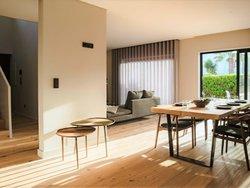 5 Bedroom Villa Cascais, Lisbon Ref :AVM171
