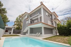 5 Bedroom Villa Cascais, Lisbon Ref :AVI325