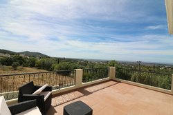 3 Bedroom Villa Santa Barbara de Nexe, Central Algarve Ref
