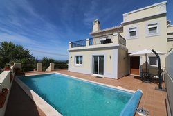 3 Bedroom Villa Santa Barbara de Nexe, Central Algarve Ref :JV10358