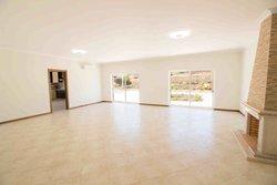 4 Bedroom Villa Loule, Central Algarve Ref :PV3489