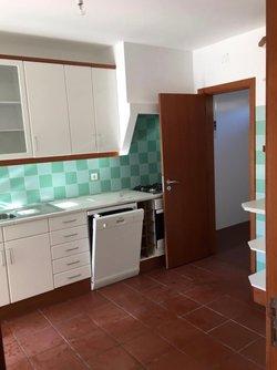 4 Bedroom Townhouse Foz do Arelho, Silver Coast Ref :AV1989