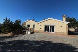 3 Bedroom Villa Sao Bras de Alportel, Central Algarve Ref :JV10223
