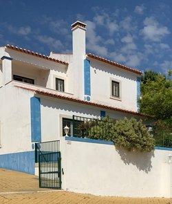 2 Bedroom Villa Obidos, Silver Coast Ref :AV1994