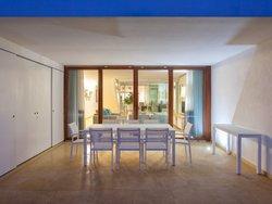 4 Bedroom Townhouse Albufeira, Central Algarve Ref :AVA45