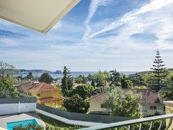10 Bedroom Villa Lisbon, Lisbon Ref :AVM182