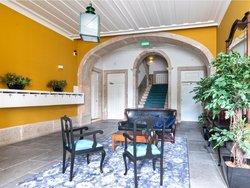 4 Bedroom Apartment Lisbon, Lisbon Ref :AAM186