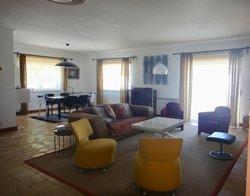 4 Bedroom Villa Caldas da Rainha, Silver Coast Ref :AV2002