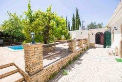 2 Bedroom Villa Sao Bras de Alportel, Central Algarve Ref :PV3501