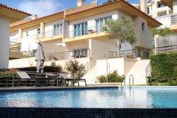 3 Bedroom Villa Cascais, Lisbon Ref :AVI339