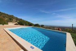 3 Bedroom Villa Estoi, Central Algarve Ref :JV10387