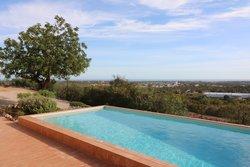 3 Bedroom Villa Estoi, Central Algarve Ref :JV10388