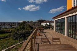 6 Bedroom Villa Vila Nova de Gaia, Porto Ref :AVP52