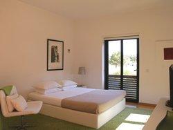 4 Bedroom Villa Cascais, Lisbon Ref :AVM216