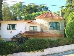 6 Bedroom Villa Estoril, Lisbon Ref :AVI341