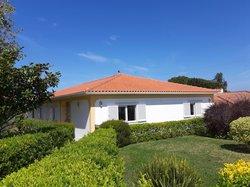 4 Bedroom Villa Caldas da Rainha, Silver Coast Ref :AV2034