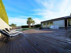4 Bedroom Villa Vila Nova de Gaia, Porto Ref :AVP64