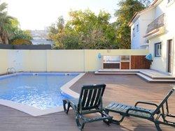 5 Bedroom Villa Lisbon, Lisbon Ref :AVM228