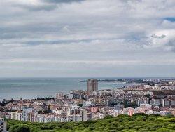 2 Bedroom Apartment Lisbon, Lisbon Ref :AAM229
