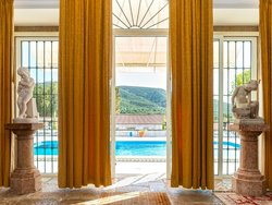 10 Bedroom House Setubal, Lisbon Ref :AMV13700