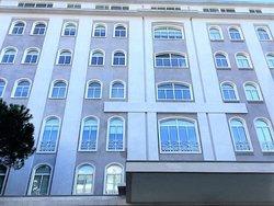 4 Bedroom Apartment Estoril, Lisbon Ref :AMA11019