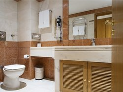 1 Bedroom Apartment Lisbon, Lisbon Ref :AMA12943
