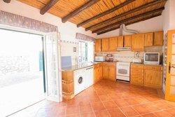 3 Bedroom Villa Boliqueime, Central Algarve Ref :PV3537