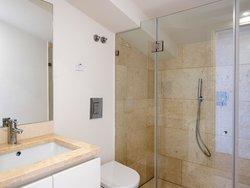 2 Bedroom Apartment Lisbon, Lisbon Ref :AMA13709